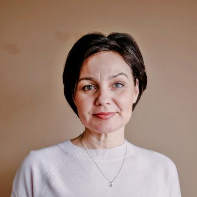 Headshot image of a lady